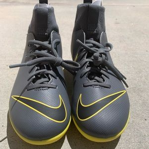 Nike Mecurial superfly 6 soccer cleats size 4.5Y
